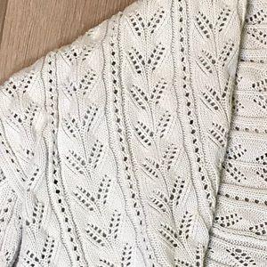 CAbi Sweaters - Cabi Circle Sweater in Oatmeal, size Large